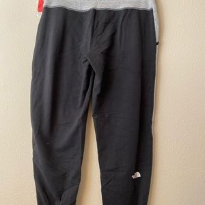 75 The north face Sweatpants ,size l